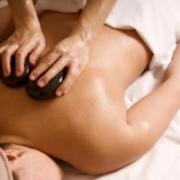 hot-stone-massage (4)